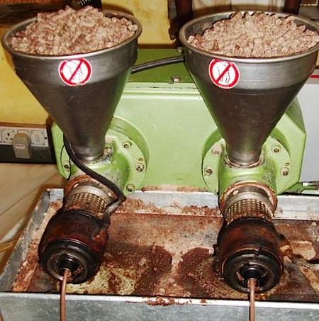 Các loại dầu Jojoba - Dầu jojoba nước 2 được ép từ bã của nước 1